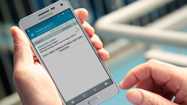 "With the ""ConditionAnalyzer"" digital service, machine operators receive notifications by e-mail, which they can easily view on their mobile end devices."